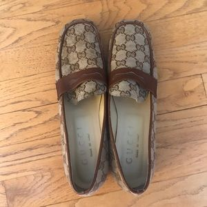 Women's Gucci Loafers Size 39